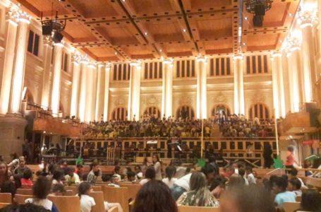 Apresentação de orquestra é prestigiado por alunos de Itupeva