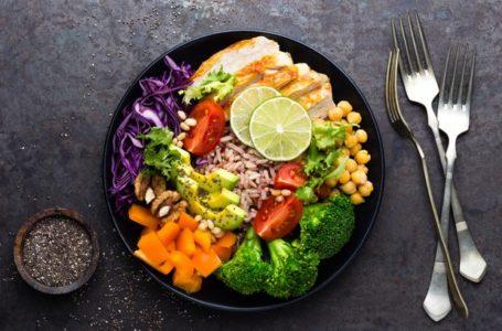 Como preparar pratos saudáveis em restaurantes por quilo?