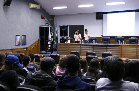 Faça Bonito: Palestra tratou de violência contra crianças e adolescentes