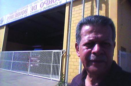 Vereador Ezequiel segue visitando os estabelecimentos públicos e pede rede de esgoto para o bairro da mina