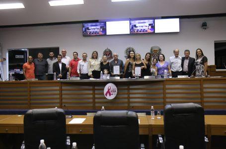 Homenagens e aprovação de projetos marcaram a 18ª Sessão ordinária