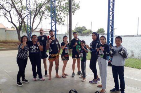 Alunos da EMEB Jaira Batista Santana aprendem lições sobre lutas em Cabreúva