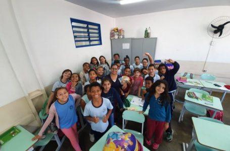 Professora transforma alunos em empreendedores na sala de aula em Cabreúva