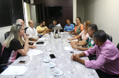 Por solicitação dos vereadores, secretária de Gestão esclarece exoneração de ex-secretário de Saúde, apresenta documentos e cópias de todos os contratos