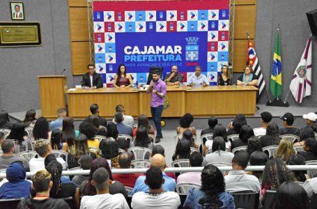Prefeitura entrega 101 diplomas dos cursos de capacitação PROCAP em Cajamar