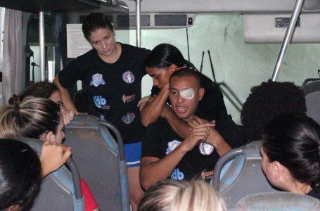 Projeto ensina mulheres a se defenderem de ameaças dentro de ônibus