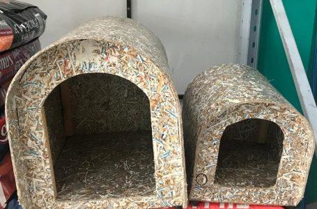 Donos de pets apostam em casinhas feitas com materiais reciclados