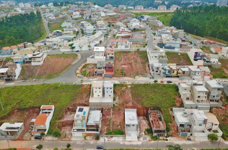 Prefeitura notifica proprietários de terrenos por falta de limpeza em Cajamar