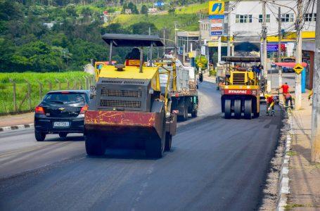 Trechos da Avenida Tenente Marques recebem novo asfalto em Cajamar