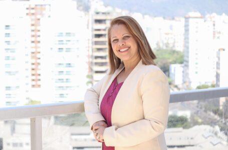 """""""Cuidando de quem cuida: legados da pandemia"""", por Andréa Ladislau, psicanalista"""