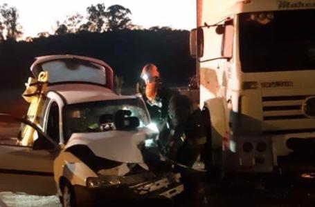 Carro e Caminhão colidem na Av. Emilio Chechinato em Itupeva