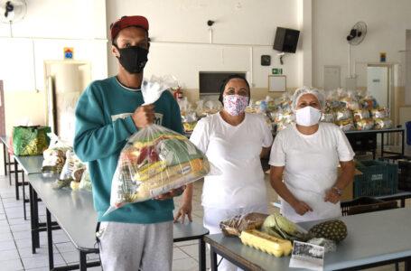 Famílias aprovam verduras no kit de alimentos distribuídos aos alunos em Jundiaí