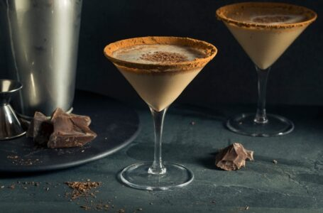 Descubra como preparar cinco drinks diferentes  com chocolate