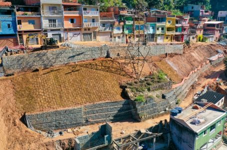 Muro de contenção do bairro Santa Terezinha está em fase final em Cajamar