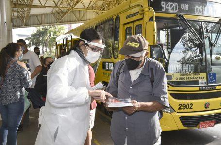 Ação educativa contra a COVID-19 é realizada no Terminal Central em Jundiaí